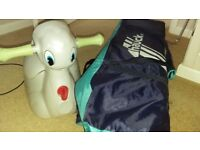 TRAVEL COT (HAUCK) IN EXCELLENT CONDITION WITH ITALIAN POTTY
