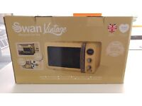 Brand New 'Swan Retro Digital microwave