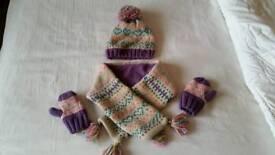 Girls hat scarf and mitten set