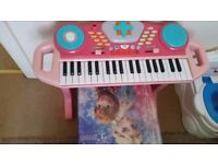 baby pianos with puff