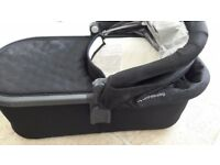 Uppababy Carrycot cruz. Excellent condition