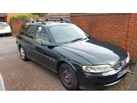 2000 Vectra for sale. Tow bar, roof bars and bluetooth radio. Good workhorse MOT Jun 30th 2017