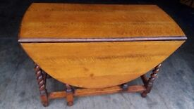 Antique Solid Golden Oak 1920's Oval Drop Leaf Barley Twist Table, FREE LOCAL DELIVERY !!