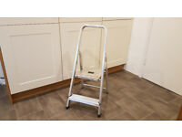 Aluminium 2 tread stepladder