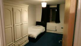 Room to rent in Walton-on-Thames