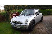 2003 Mini Cooper Silver / Black