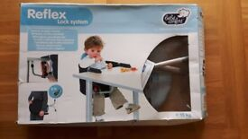Clamp on travel highchair