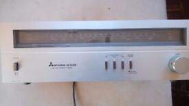 Mitsubishi stereo tuner Am Fm DA-FX30E silver working