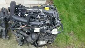 Engine 20051.7cdti vauxhall combo engine approximately 120 k runs nice