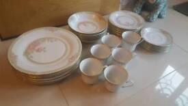 Crown Ming tea/dinner service