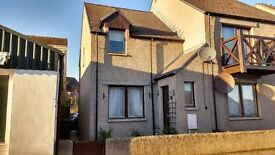 Lovely 2 bedroom end of terrace home - Walk in condition