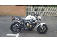 Yamaha XJ6 - ONLY 3916 Miles - Great condition.