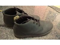DR MARTENS IN soft NABUCK AS NEW ONLY 27£!!!!!! SIZE 10