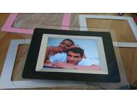 Digital Photo Frame - with adjustable frames