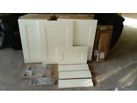 KITCHEN UNIT CABINET 11 x 715mm HIGH MAGNET DOORS + DRAWER FRONTS- Shaker Cream **NEW**
