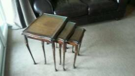 Set of lampstand/coffee tables