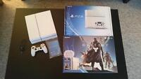 Mint Condition Limited Edition Exclusive Glacier White Ps4