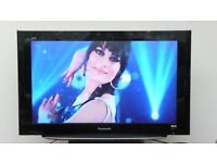 32in Panasonic LCD Digital Freeview TV & Stand, 1920 x 1080HD, Great Condition, DVD Player Available