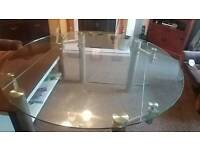 I sale kitchen glass dining table very massive and heavy. Can use in 2 position see on pictures.