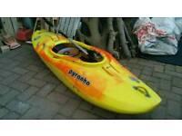 Pyranha ammo kayak, river runner, medium, jaffa/yellow