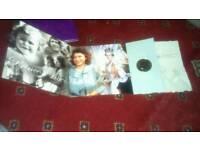 Queen Elizabeth £5 in presentation pack