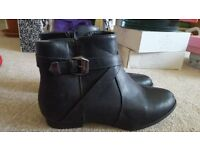 Black ankle flat boots. New Look, Size 8. Worn once.