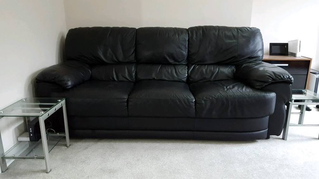 3 seated leather sofa in good condition from pet/smoke free home