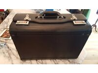 leather pilot's case black great condition