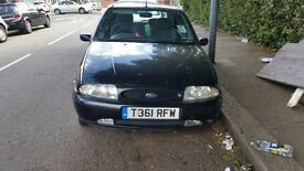 Black ford Fiesta 1999