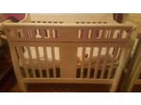 Beautiful Cot white/cream £80