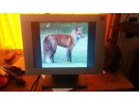 PC Monitor Flat Screen 15 inches Model EM 150 TFT Brilliant Bright Picture