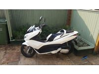 Honda PCX 125 2010 scooter
