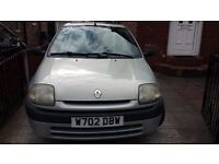 Renault clio 3 Door Hatchback. 1.1(1149 cc) Petrol. Model 2000. Greay colour