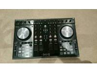 Almost new Traktor s4 mk2 and official traktor flight case also almost new!