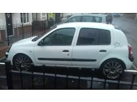 02 renault clio white £350 or spares&repair brand new m.o.t ... head gasket gone