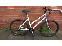 Ladies Giant sedona mountain bike 19 inch aluminium frame, Good working condition and ready to ride