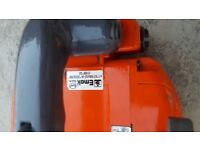 Top handle chainsaw with very good and chain. Emak Oleo Mac 932c