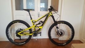 YT Capra cf comp 2016 enduro mountain bike size small