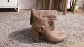 Ladies boots for sale, size 39, only £10