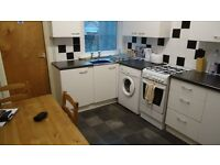 ROOMS TO RENT IN SHARED STUDENT HOUSE MOUNT PLEASANT SWANSEA UNIVERSITY OF WALES TRINITY ST DAVID