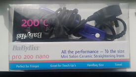 TRAVEL STRAIGHTNER BaByliss Pro 200 Nano, only used a couple of times, new great condition
