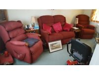 SINGLE RISER/RECLINER ARM CHAIR WITH MATCHING 2 SEATER SOFA AND RECLINER CHAIR