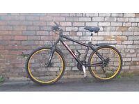 "18"" unisex/hybrid hybrid mountain bike. disc brakes + £50 worth of extras. £500 RRP."