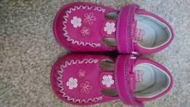 Clarks shoes infant size 4.5e