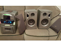 Mini 3 CD Sanyo Stereo System with speakers