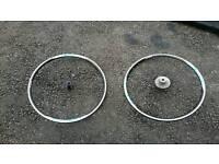 Shimano R500 road wheel set.