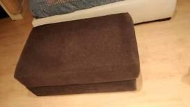 Nabru chaise seat stool black