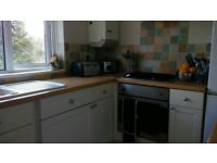 double room to rent in 2 bed flat poole