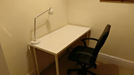Studio table LINNMON /ADILS + TORKEL chair + studio lamp