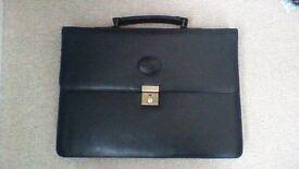 Revelation briefcase, black leather-effect, excellent condition.